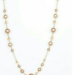 Light pink pearls with earrings